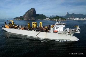 JAN DE NUL_Cristobal_Colon_sailing_in_front_of_the_Sugar_Loaf_RJ